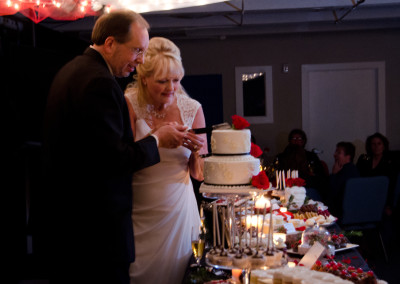 Wedding - Cutting Cake 087